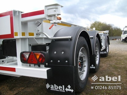 Turntable drawbar trailer