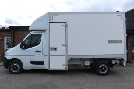 Bonded body with nearside door.